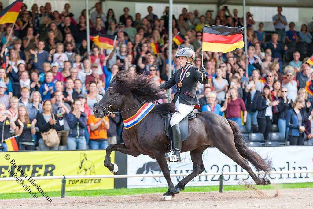 Frauke und Gustur sind Weltmeister im Fünfgang!