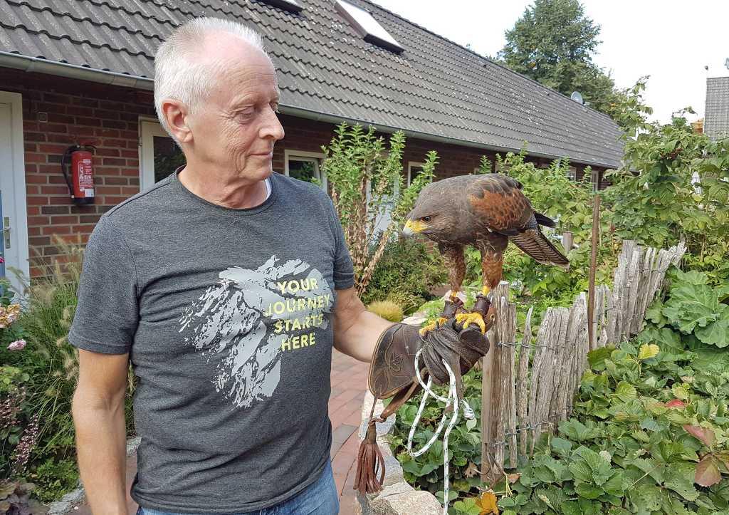 Beflügelter Gast auf dem Kronshof